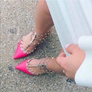 Hot pink Valentino Rock stud leather sandals